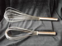 "2 X GOOD SIZED STAINLESS STEEL BALLOON WHISKS 15"" AND 12"" GREAT CONDITION"